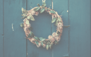 year-round-front-door-wreaths