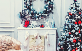 decorative-wreaths-for-fireplace
