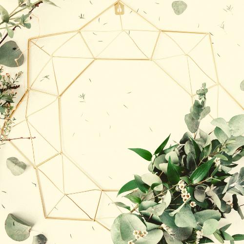 geometric-wreath-frame