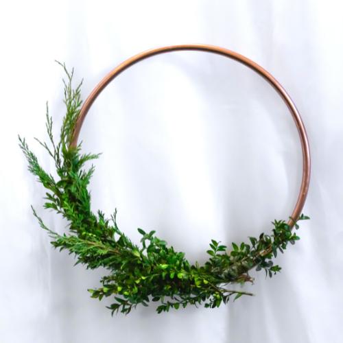 gold-wire-wreath