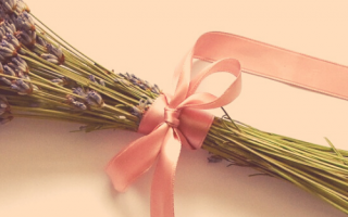 pink-wreath-bow